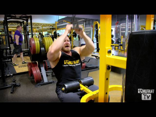 MUTANT in a MINUTE - Close Grip Lat Pull Downs with Trevor Koot