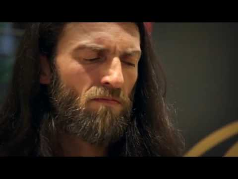 Estas TonneIncredible Performance with 10 String Guitar