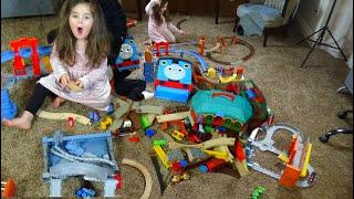 Thomas the Train set, trucks, Freight cars, Crane Toy Vehicles for Kids!!