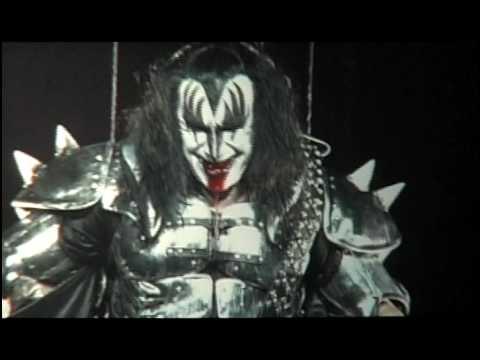 KISS - Gene Simmons Bass Solo  I Love It Loud - Philadelphia  - Sonic Boom Tour
