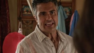 EXCLUSIVE: 'Jane the Virgin' Sneak Peek: Here's Why Rogelio and Britney Spears Hate Each Other!