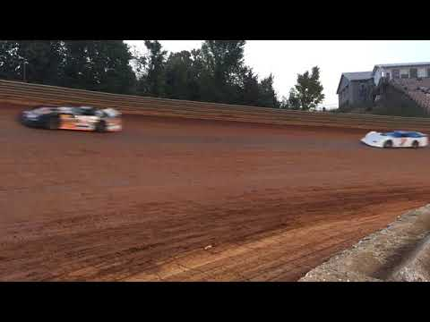 Volunteer Speedway Sportsman hot laps