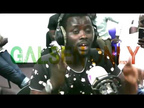 Clash ׃ Iss 814 insulte Omzo et Canabasse en direct sur Vibe Radio