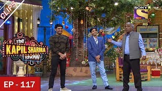 Gambar cover Shayari Battle Between Rahat Indori and Dr. Kumar Vishwas - The Kapil Sharma Show - 1st July, 2017