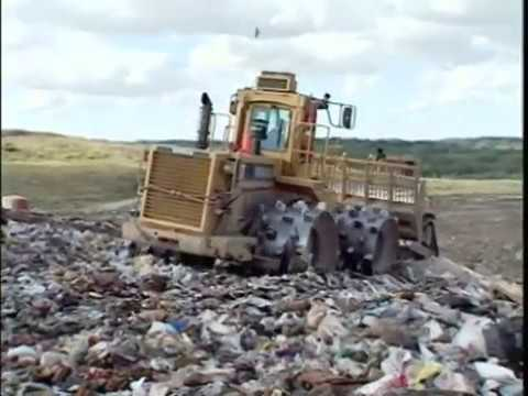 """Mighty Machines S1E07 - """"At The Garbage Dump"""""""
