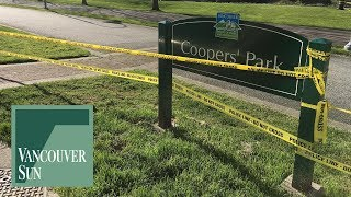 Raw: Police investigate at Coopers' Park on False Creek | Vancouver Sun