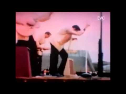 Elvis Presley - A Little Less Conversation (Elvis Rocks Like Hell) Long Version