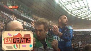 Emigratis -  Pio e Amedeo cantano l'inno Italiano nello stadio Francese.
