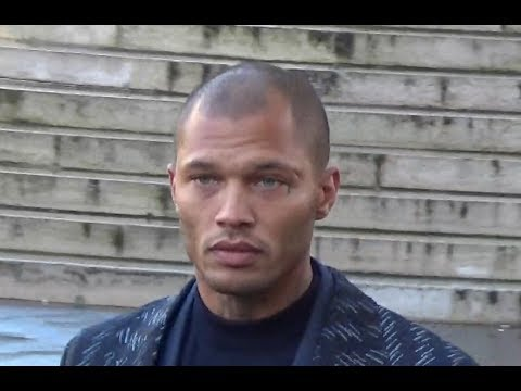 Hottest prisoner Jeremy MEEKS and Chloe Green @ Paris Fashion Week january 19, 2018 #PFW