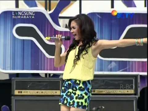IKA PUTRI Live At Inbox (21-11-2012) Courtesy SCTV