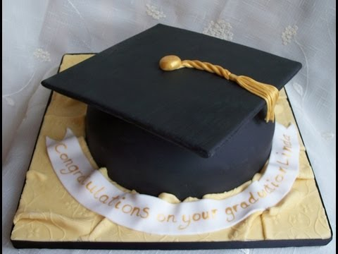Graduation Cap Cake Decoration