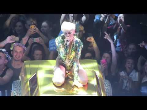 Love Money Party- Miley Cyrus Oakland HD