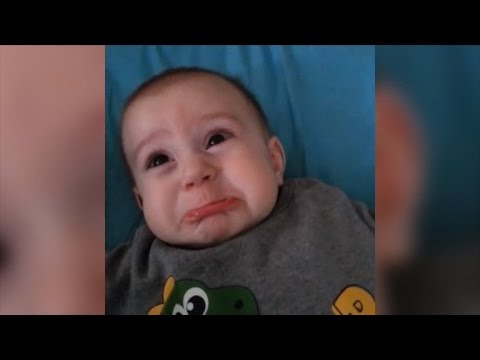 Baby Has Heartbreaking Frown Every Time Mom Says 'Roar'