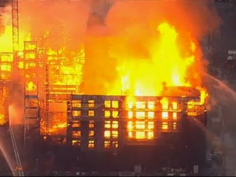 Huge Fire in Oakland, Calif. Forces Evacuations
