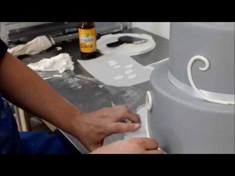 How to design a wedding cake