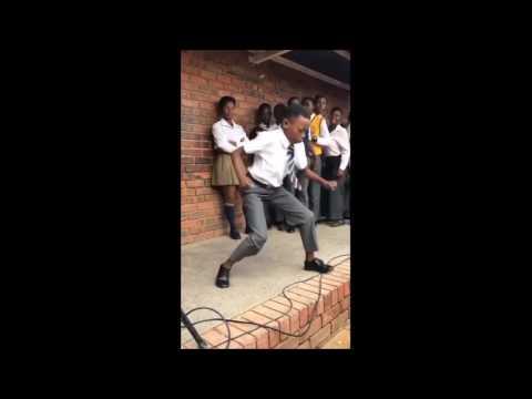 Gobisi qolo - Bhizer.ft.Busiswa, SC.Gorna.and.Bhepepe (remix)-gwaragwara