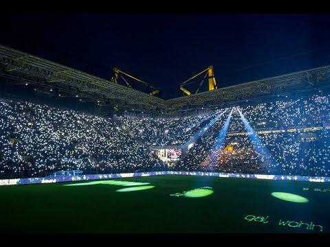50.000 BVB Fans Singing Christmas Carols!