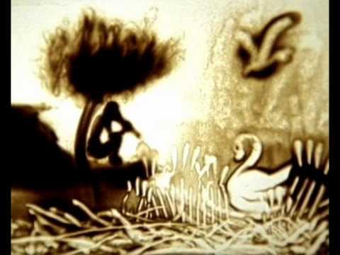 Фантазия о любви  Рисует песком!!