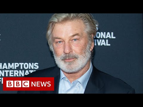 Alec Baldwin fatally shoots woman with prop gun on movie set - BBC News