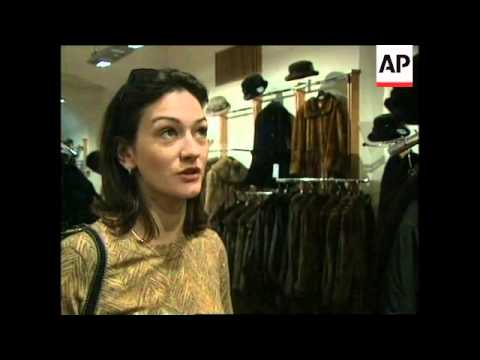 RUSSIA: MOSCOW: PEOPLE PREPARED TO RIDE OUT FINANCIAL CRISIS