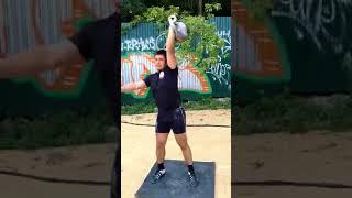 Рывок Гордеевской гири 50 кг за 1 минуту - 20 раз.