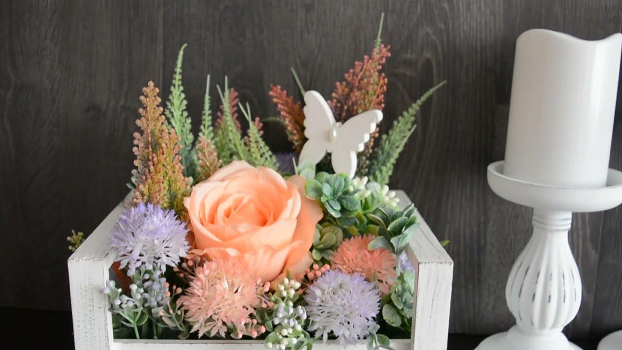 Цветочная композиция  деревянном ящике из Фикс прайс.
