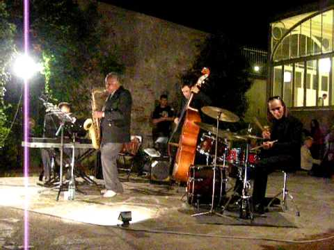 "Paul Jeffrey ""Criss Cross"" Live in Altare's Glass Museum, Villa Rosa Garden, Italy"