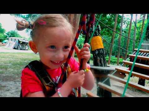 PREPREKE na DRVECU i Park Ljuljasaka / Igraliste za decu - Fun Amusement Outdoor Playground for Kids