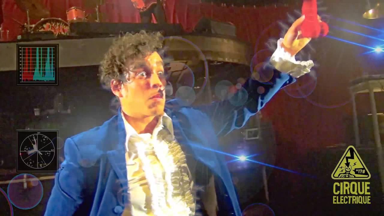Record du monde de magie par moulla mad gic au cabaret - Le cirque electrique porte des lilas ...
