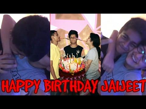Avneet Kaur Celebrating Her Brother's Birthday With Her Family