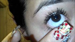 Remove And Place Contacts With Long Nails