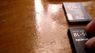 видео Проблема с батарейками (АКБ) на Nokia. Перезагружается, не включается и тд.
