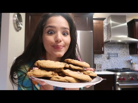 HOW TO MAKE THE BEST CHOCOLATE CHIP COOKIES!!