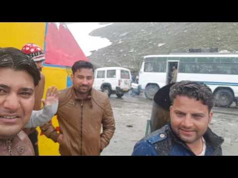 lovely snowfall at rohtang pass ,himachal Pradesh ✌