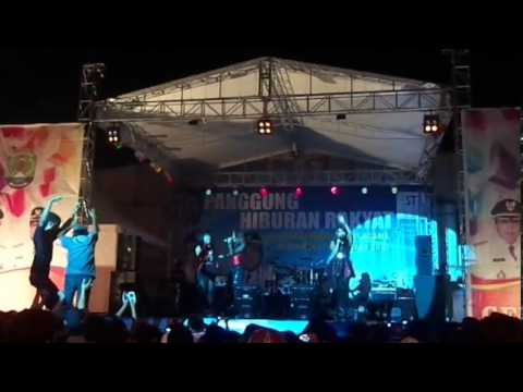 CAPCUZ feat ICEU WONG ( GPL - Ga Pake Lama ) @Nunukan Kaltim Malam Tahun Baru 2012/2013