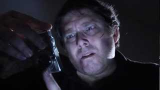 Ужасно медленный убийца с неэффективным оружием (RUS HD)