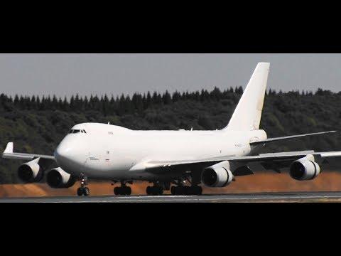 ✈✈白いジャンボ二機 (Atlas Air) Boeing 747-4KZF  (Wilmington Trust Company) Boeing 747-4KZ N404KZ 34R NARITA
