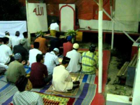 Sholat Tarawih oleh Ust H Syamsuddin Spdi selaku Imam di Mushola Al Maghfiroh Jatimakmur