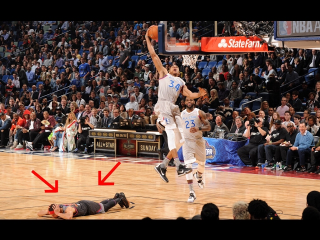 Stephen Curry lays down during NBA All Star Game so he doesn't get dunked on by Gianna Antetokounmpo