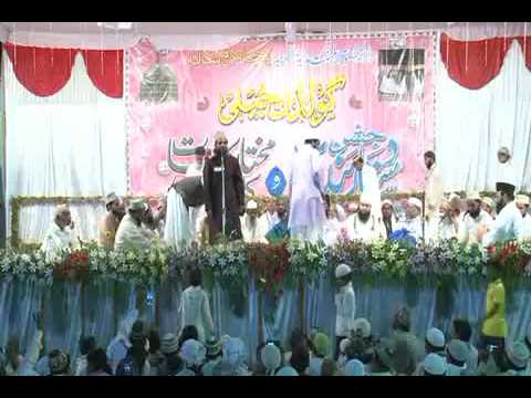 Peer Syed Owais Mustufa Makdoome Millat Damtbarqatuh Attending Program Dastar Bandi