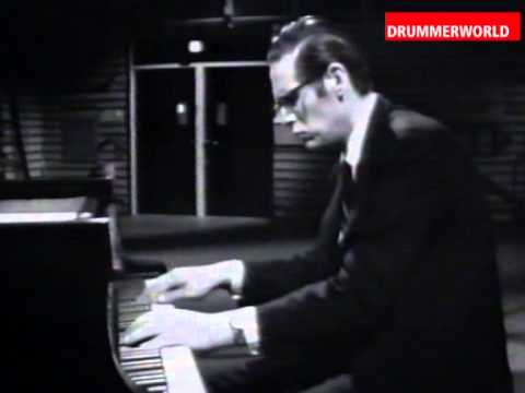 Alex Riel - Bill Evans - Eddie Gomez: Autumn Leaves - 1966