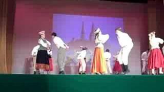 Venturas dziesmu svetki tautas dejas - Tautiesami roku devu