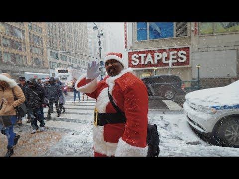 Первый снег в Нью-Йорке  Санта-Кон