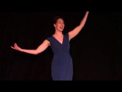 Lara Fox sings