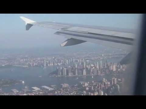 Welcome to New York: Flying over Manhattan/Brooklyn/Queens/East River - Landing at LaGuardia