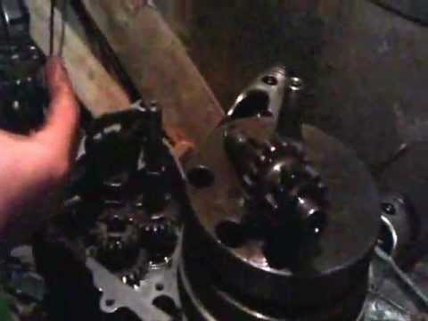 Частичная сборка двигателя Ява
