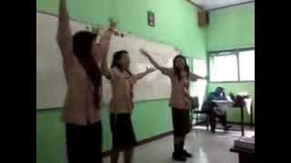 Minion Asa, Nimas, Iis (underwear)