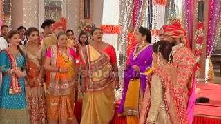 Saath Nibhana Saathiya | At Jaggi's Wedding, High Voltage Drama of Gopi and Radhika | On Location thumbnail