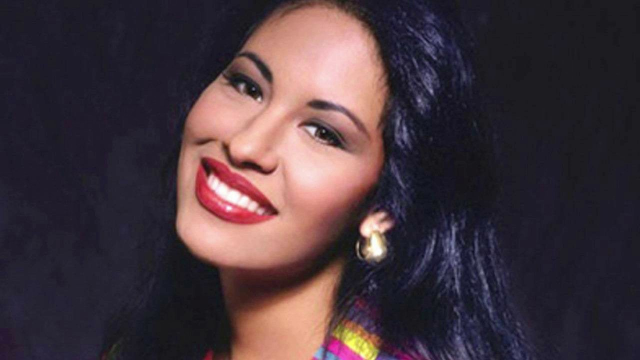 Salma Hayek, Becky G and More Pay Tribute to Selena Quintanilla ...