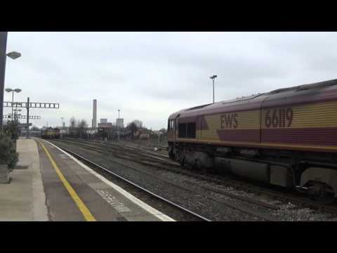 Freight trains and more at Didcot on 10/3/16